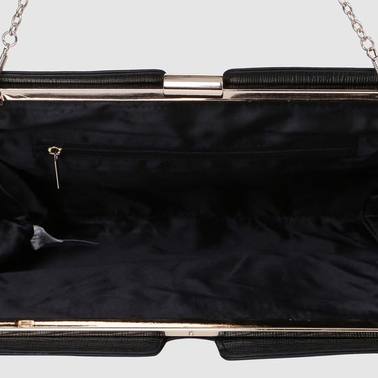 حقيبة مسائية بارزة الملمس