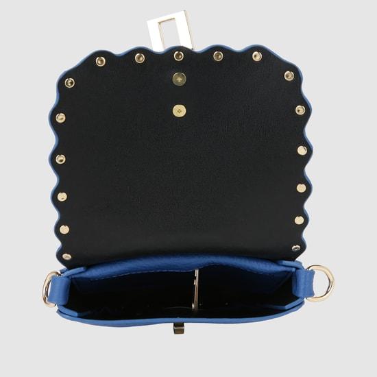 حقيبة يد بارزة الملمس بطيّة