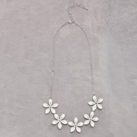 Floral Design Metallic necklace
