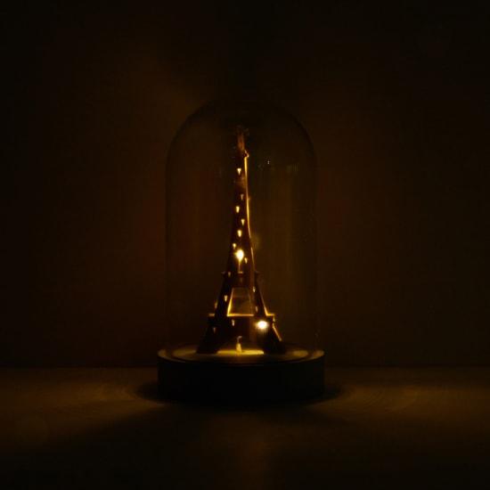 زينة برج إيفيل بإضاءة
