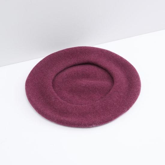 قبعة بيريه بارزة الملمس