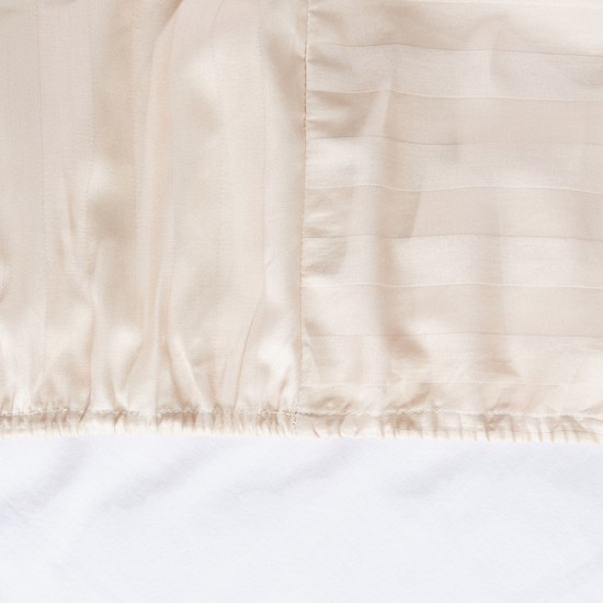 Luxury Fitted Sheet with Striped Pattern - 180x200x25 cms