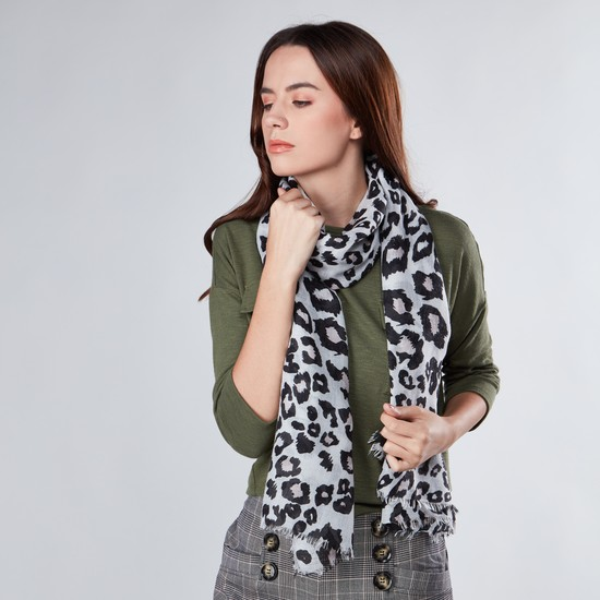 Animal Printed Scarf with Fringes
