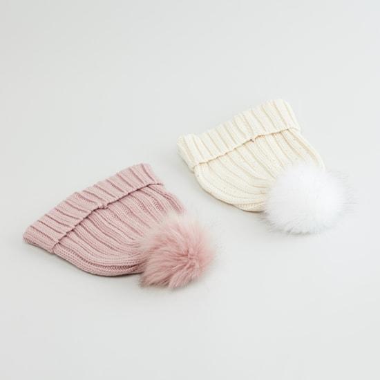 قبعة بارزة الملمس مزيّنة بكرات بوم بوم - طقم من 2 قطع