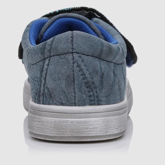 حذاء بارز الملمس بشريط إغلاق لاصق
