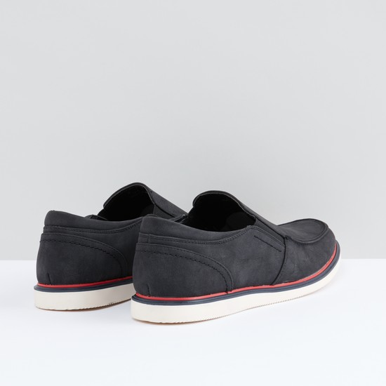 Slip-On Shoes with Elasticised Gussets