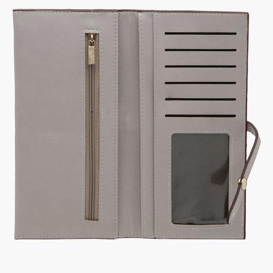 محفظة بطيّة مزدوجة وزر مغناطيسي للإغلاق