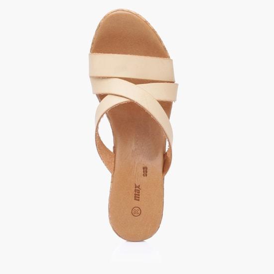 حذاء ويدج سهل الارتداء بنقش بارز