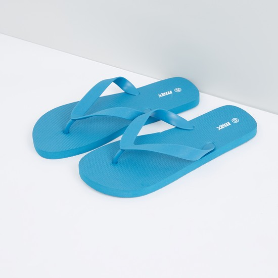 Flip Flops with Textured Sole