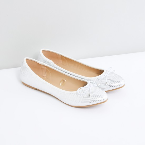 Textured Ballerina Shoes with Bow Accent