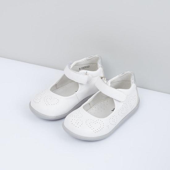 حذاء باليرينا بشريط إغلاق