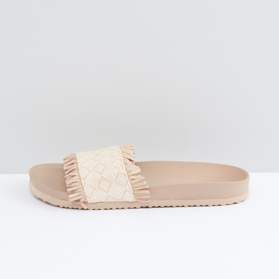 Textured Slides with Fringes