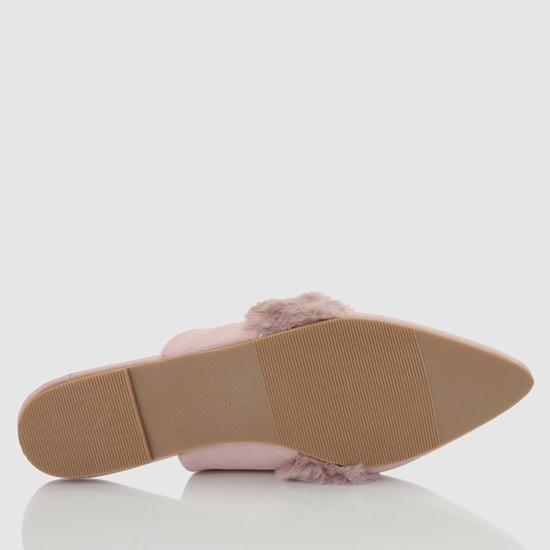 حذاء ميول بكعب منخفض وتفاصيل ناعمة