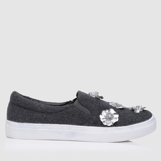 Slip-On Shoes with Flower Appliques