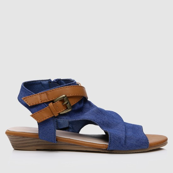 Textured Sandals with Buckle