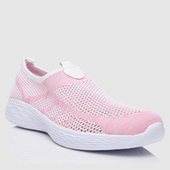 حذاء مشي سهل الارتداء بتصميم بارز الملمس