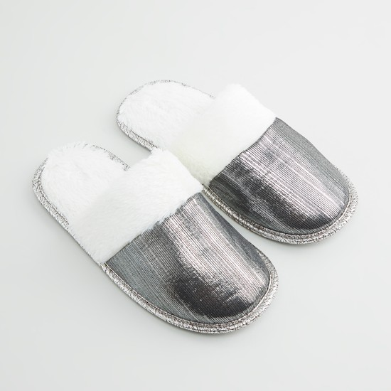 Plush Detail Slides