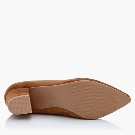 حذاء سهل الارتداء بتزيينات
