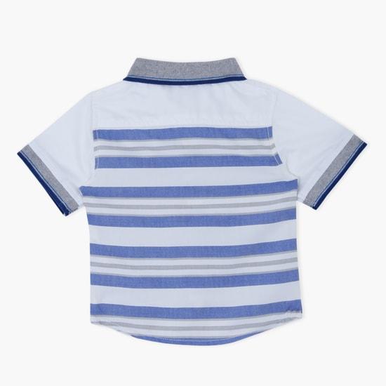 قميص مقلّم بأكمام قصيرة