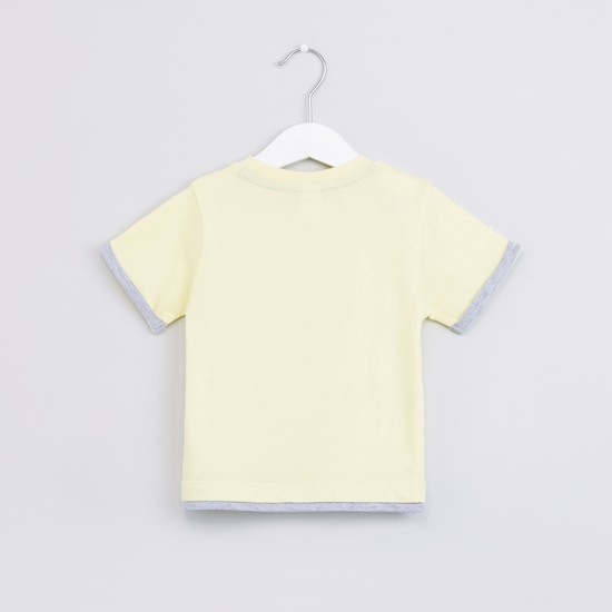 Embossed Round Neck Short Sleeves T-Shirt