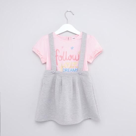 Slogan Print T-shirt and Knit Suspender Skirt Set