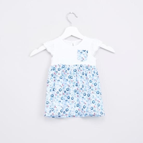 فستان شيفلي بأكمام كاب طباعة زهور مع شورت داخلي