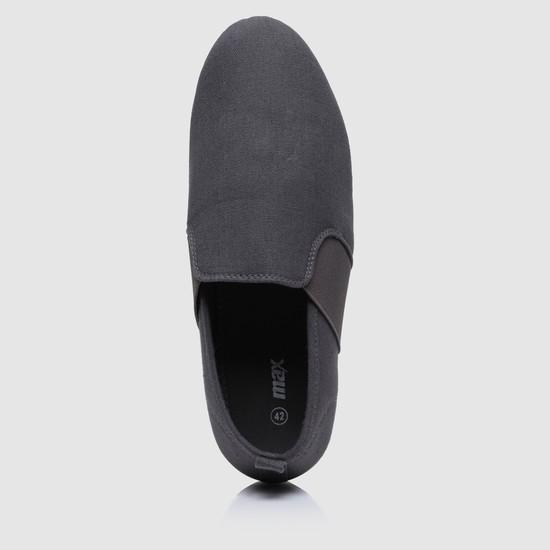 Slip-On Shoes with Gussets