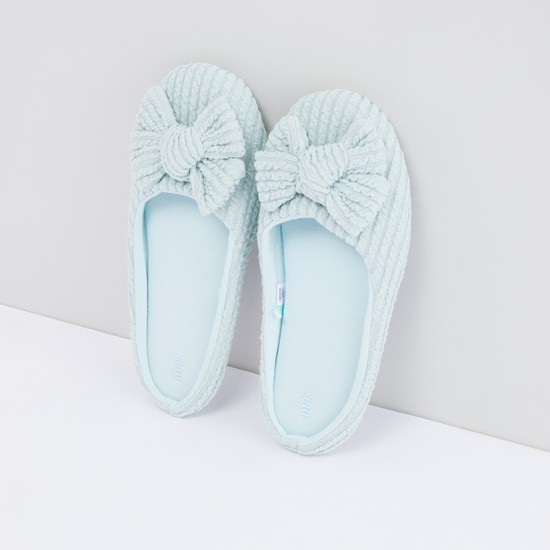 Textured Bedroom Slides with Bow Applique
