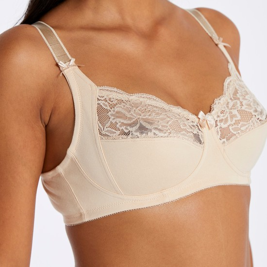 Lace Detailed Bra with Hook and Eye Closure