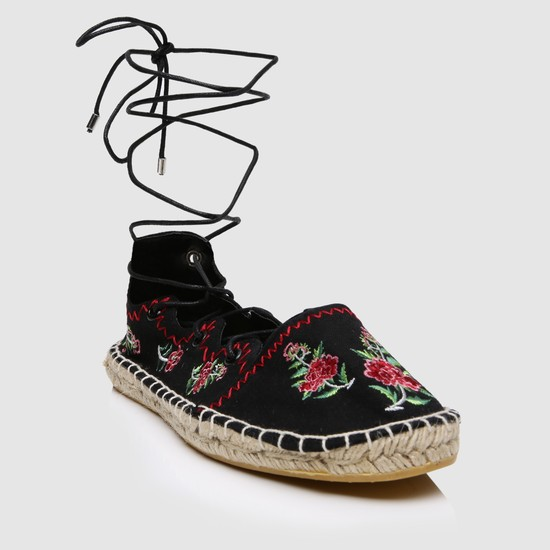 Embroidered Tie-Up Shoes