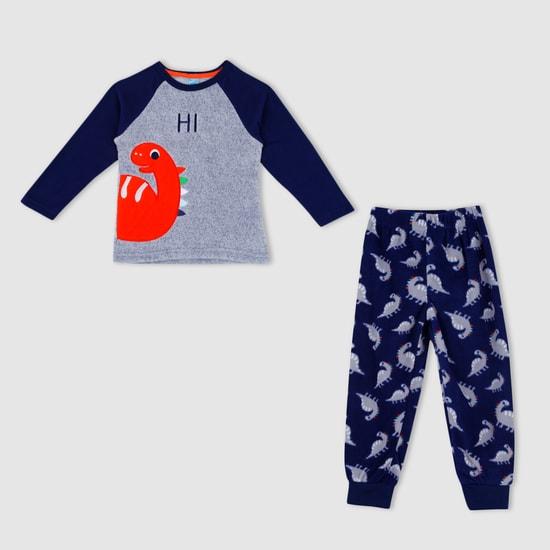 Raglan Sleeves Pyjama Set with Applique Work