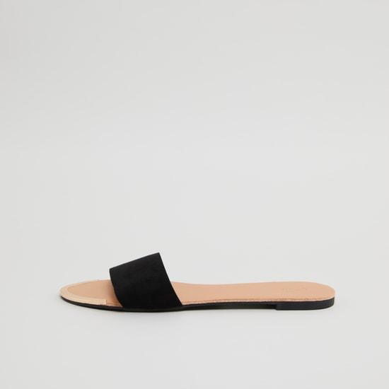 حذاء خفيف سادة بحزام عريض