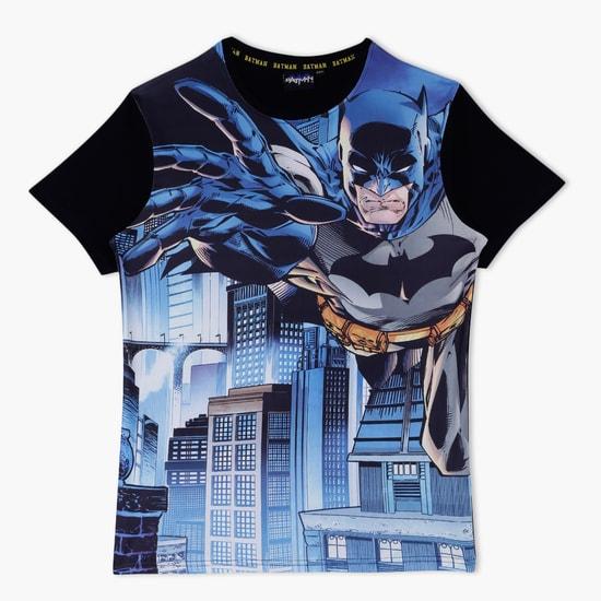 تيشيرت بطبعات باتمان بأكمام قصيرة