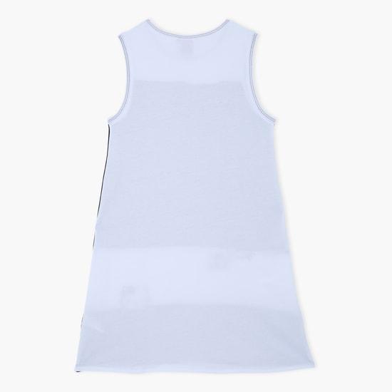 فستان بطبعات هاللو كيتي بياقة مستديرة