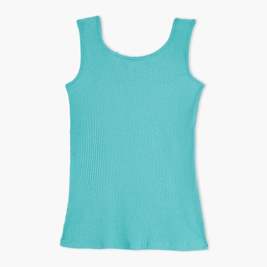 قميص دون أكمام بياقة مستديرة