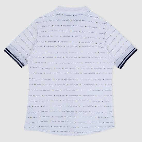 قميص بطبعات وأكمام قصيرة
