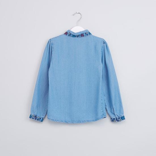 قميص مطرز بأكمام طويلة