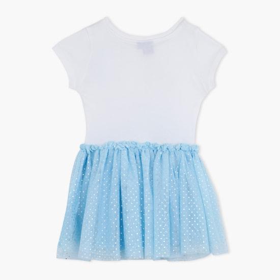 فستان بياقة دائرية وطبعات فروزن