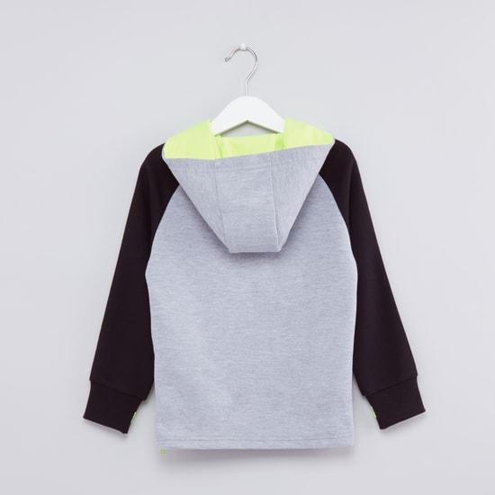 Embossed Raglan Sleeves Sweatshirt
