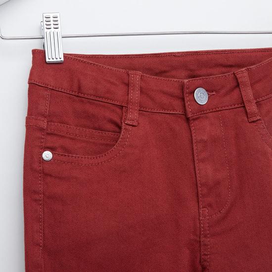 بنطلون طويل بارز الملمس بأزرار إغلاق و5 جيوب