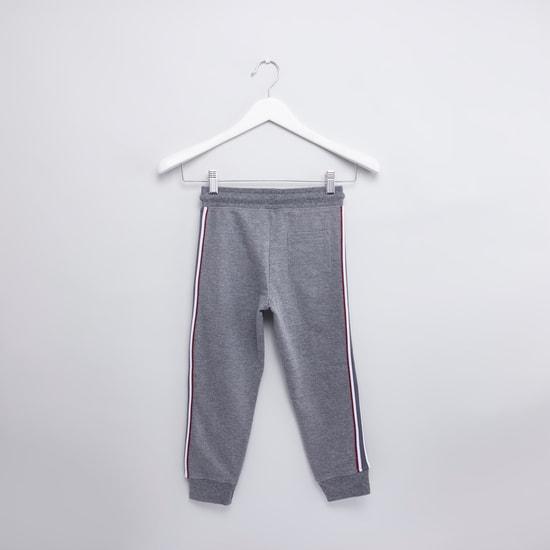 Printed Long Sleeves Sweatshirt with Full Length Jog Pants