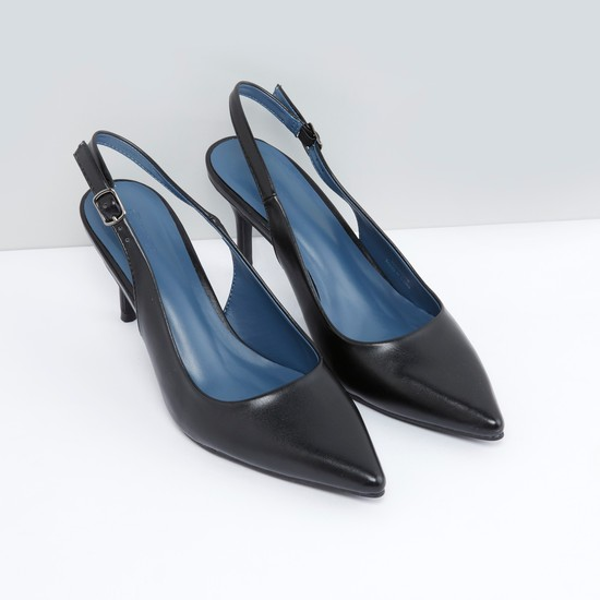 Pointed-Toe Formal Shoes with Buckle Closure