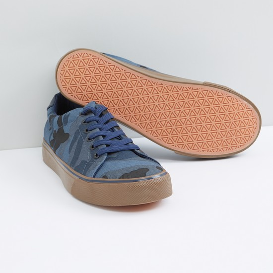 Camouflage Printed Lace-Up Sneakers
