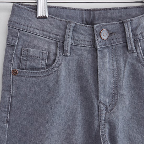Solid Jeans with 5-Pockets and Button Closure