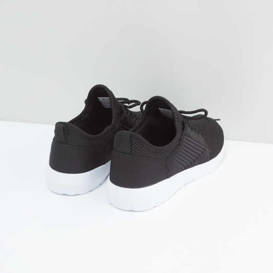 Mesh Textured Sports Shoes with Lace-Up Closure