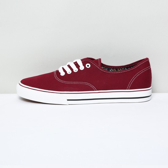 MAX Solid Low-Top Casual Shoes