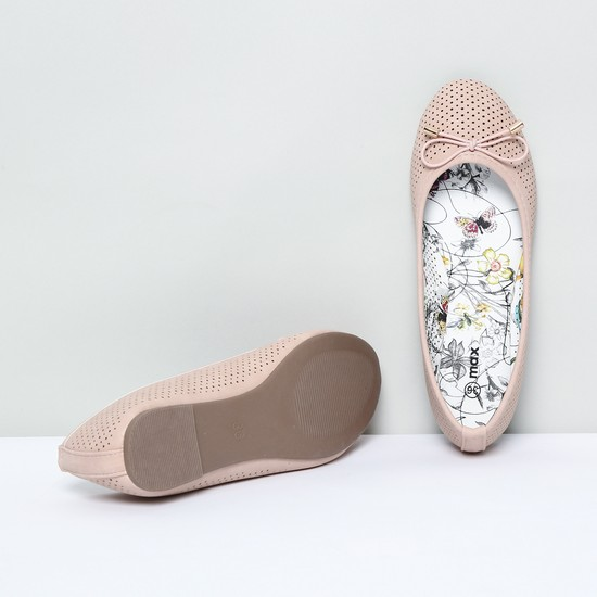 MAX Textured Ballerinas with Bow