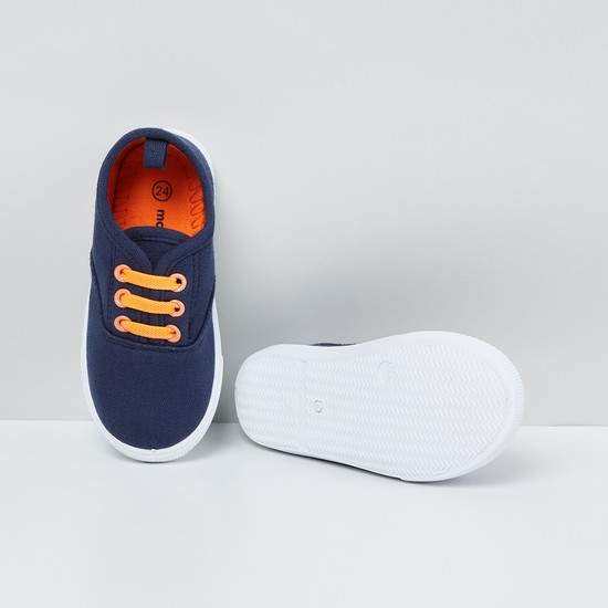 MAX Solid Canvas Shoes