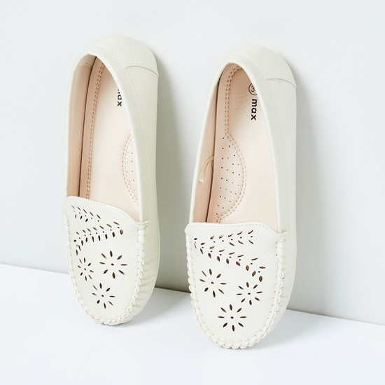 MAX Floral Cut-Out Detail Loafers