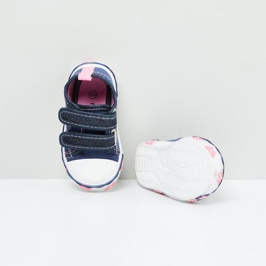 MAX Applique Detail Velcro Shoes